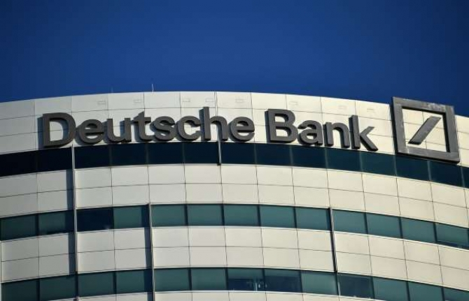 "LA DEUTSCHE BANK ""IN DEFAULT"""